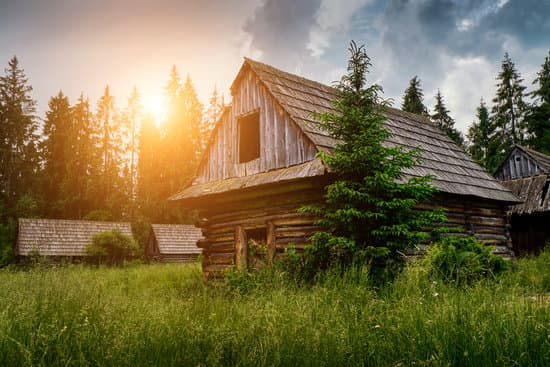Can You Paint A Log Cabin